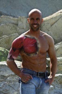 Musculos – Maquillaje y Fotografia: Iratxe Irizar / Modelo: Dani Arenas www.zuzenfitness.com