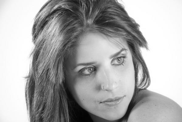 Naiara B&N – Maquillaje y Fotografia: Iratxe Irizar